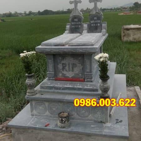 mộ công giáo đá